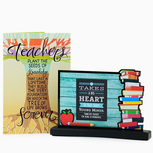 Desk Decorative n Greeting Card Hamper